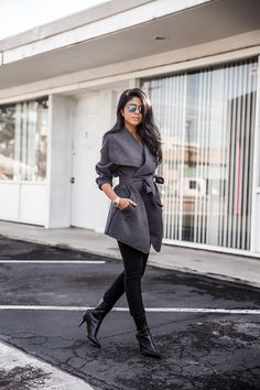 Winter Neutrals - source: Walk in Wonderland Wrap Coat, Work Attire, Work Outfits, Office Outfits, Street Fashion, Work Fashion, Fashion Tips, Simply Fashion, Fashion Ideas