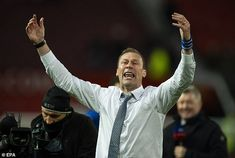 Everton caretaker Ferguson rules himself OUT of running for Toffees job – with board still favouring Ancelotti or Moyes – The Sun - SPORT EVENT Usa Sports, Sports News, Sport Football, Soccer, Sports Scores, Games Today, Sports Games, Everton, Running