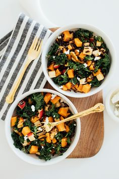 Balsamic Winter Bowls with Goat Cheese & Walnuts: this easy and comforting dish is the perfect combination of both sweet and tangy! All you need is yams, wild rice, kale, apples, walnuts, goat cheese and your favorite balsamic vinaigrette!