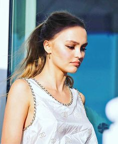 Sublime Lily wears a Chanel top at International Film Festival of St Jean de Luz on October 2018 White Top And Jeans, Lily Rose Melody Depp, Cartoon Profile Pics, International Film Festival, Girl Crushes, Beauty Women, My Idol, Queen, Makeup Looks