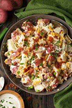 Cheddar Bacon Ranch Potato Salad: 5 ingredient potato salad that's packed with flavor and so easy to make! Perfect spring and summer side dish. Love this combination! Salad Recipes With Bacon, Potato Salad Recipe Easy, Potato Salad With Egg, Easy Salad Recipes, Healthy Recipes, Soup Recipes, Loaded Potato Salad, Simple Potato Salad, Loaded Baked Potatoes