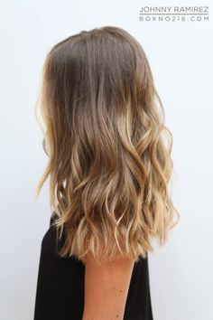 ✔ Hairstyles For Medium Length Hair Highlights Balayage Hair Day, New Hair, Medium Hair Styles, Short Hair Styles, One Length Haircuts, Blonde Highlights, Blonde Balayage, Bayalage, Medium Hair Highlights