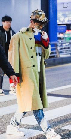 Fashion Idol, Kpop Fashion, Korean Fashion, Male Fashion, Kim Hanbin Ikon, Chanwoo Ikon, Airport Fashion, Airport Style, Ikon Leader