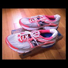 Brooks Ravenna running shoes, size 10 Brooks Ravenna running shoes, size 10, in coral, blue & white - new with box Brooks Shoes Athletic Shoes