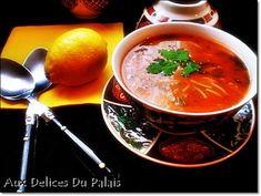 Chorba soupe algérienne facile et inratable ; La chorba est une soupe traditionnelle orientale, maghrébine, très consommée en Algérie, en Tunisie ainsi qu'en Libye. C'est une soupe préparée à base de viande ovine (mouton ou agneau), de tomate et de vermicelle...
