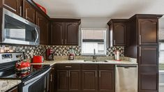 Welcome to The Coca Cola Villa, 3 miles from Disney World, private pool/spa - Four Corners Orlando Vacation, Orlando Florida, Universal Studios Parking, 2 Twin Beds, Vacation Villas, Vacations, Disney World Parks, Villa Design, King Beds