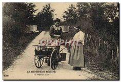 CPA Folklore Normandie La vente du lait TOP