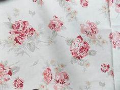 tissu bouquets de roses anciennes lin coton japanese fabrics pinterest bouquets de. Black Bedroom Furniture Sets. Home Design Ideas