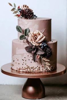 Trendy Wedding Colors 2019 ★ See more: www.weddingforwar… Trendy Wedding Colors 2019 ★ Weitere Informationen: www. Blush Pink Wedding Cake, Floral Wedding Cakes, Fall Wedding Cakes, Wedding Cake Designs, Wedding Cupcakes, Brown Wedding Cakes, Fruit Wedding, Spring Wedding, Pretty Cakes