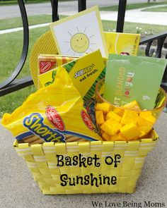 Basket of Sunshine- What a great gift idea! This would really make someone's day. Basket of Sunshine- What a great gift idea! Includes list o Basket Of Sunshine, Sunshine Box, Creative Gifts, Unique Gifts, Creative Ideas, Creative Gift Baskets, Craft Gifts, Diy Gifts, Cute Gifts
