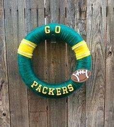NFL football yarn wreath Greenbay Packers by CozyCasaHomeDecor, $25.00