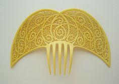 Art Deco celluloid comb from Oyonnax, France.