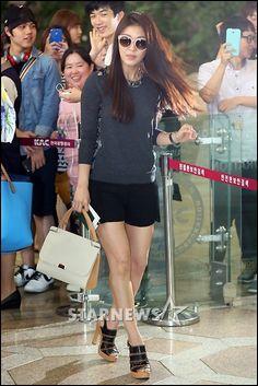 [2014.06.27] Ha Ji Won at the Gimpo International Airport