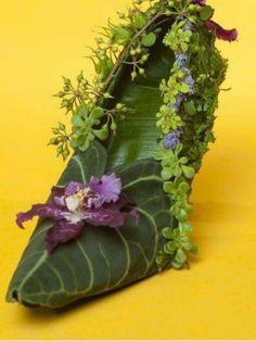 botanical shoe with mask leaves, orchid Françoise Weeks Joni Photo Source by jan_petters shoes Flower Shoes, Flower Dresses, Flower Art, Ikebana, Deco Floral, Floral Design, Art Floral, Fairy Shoes, Deco Nature