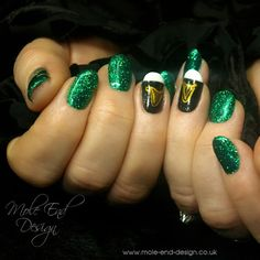 St Patricks Day nils ready for a trip to Dublin. Natural Nails paited with Ilac i25 and i51 with added glitter. Handpainted Guinness harps #guinness #stpatrick #dublin #nailart #i.n.k_london #ilac #glitter #pint #emerald #nailswag #showscratch #nailstagram #nailsdid #teamgorgeous #instanails #nailpro