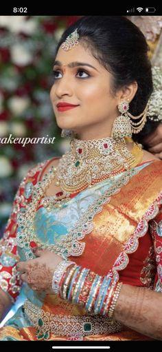 Wedding Saree Blouse Designs, Silk Saree Blouse Designs, Saree Wedding, Black Blouse Designs, Embroidery Neck Designs, Indian Wedding Outfits, Diamond Jewellery, Bridal Sets, Bridal Looks