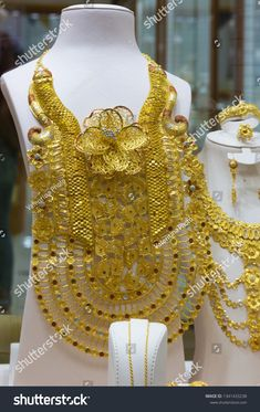 Dubai, Afghan Clothes, Pearl Choker, Photo Editing, Royalty Free Stock Photos, Chokers, Jewelry Design, Bangles, Fur