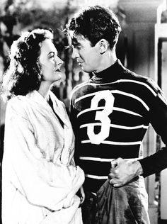 Donna Reed and James Stewart in   It's a Wonderful life, 1946