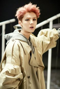 "Luhan 鹿晗 ""Roleplay"" publicity photo cr. 鹿角_Antler百科"