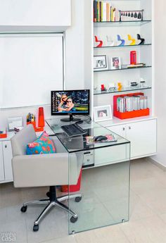 Home office: 30 ambientes pequenos e práticos | Casa.com.br                                                                                                                                                                                 Mais