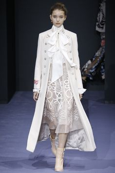 Temperley London Fall 2016 Ready-to-Wear Fashion Show  http://www.theclosetfeminist.ca/  http://www.vogue.com/fashion-shows/fall-2016-ready-to-wear/temperley-london/slideshow/collection#30