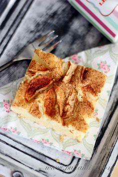 Helppo yhden kulhon omenapiirakka - Pullahiiren leivontanurkka No Bake Cake, French Toast, Baking, Breakfast, Food, Morning Coffee, Bakken, Essen, Meals
