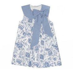 Vestido en flor y cuadro azul para niña de Eve Children Frocks For Girls, Kids Frocks, Little Dresses, Little Girl Dresses, Toddler Dress, Toddler Outfits, Kids Outfits, Little Girl Fashion, Kids Fashion