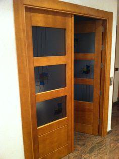 Puerta de madera maciza de doble hoja
