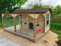 custom dog house/ kennel (chain link fence) Could put a divider in middle of fence and in the building and make this for 2 dogs Cheap Dog Kennels, Luxury Dog Kennels, Custom Dog Houses, Cool Dog Houses, Dog Kennel Cover, Diy Dog Kennel, Dog Yard, Dog Fence, Dog Kennel Designs