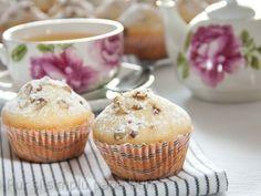 Brioșe cu ciocolată și nuci - imagine 1 mare Tin, Muffins, Cupcakes, Baking, Breakfast, Sweet, Desserts, Food, Pewter