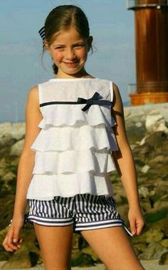 Try using only the top and bottom ruffles? No bulk added to waist line. Little Girl Fashion, Teen Fashion, Child Fashion, Little Girl Dresses, Girls Dresses, Kids Frocks, Kids Wear, Dress Patterns, Baby Dress