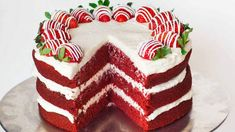▷ ideas for red velvet cake to enjoy with a partner-▷ Ideen für roter Samtkuchen zum genießen mit Partner red-velvet-cake-recipe-red-velvet-cake-with-strawberries-cream-cake-super-delicious-birthday-wedding - Easy Vanilla Cake Recipe, Chocolate Cake Recipe Easy, Easy Cake Recipes, Chocolate Recipes, Cake Chocolate, Chocolate Covered, Cakes To Make, How To Make Cake, Bolo Red Velvet Receita