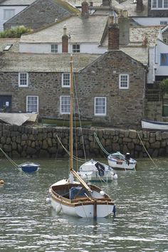 MOUSEHOLE HARBOUR (9450) - Cornwall Guide Photos