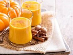 3 Spooktacularly Delicious Smoothies For Halloween! Pumpkin Juice, Pumpkin Pie Spice, Shake Recipes, Fall Recipes, Pumpkin Protein Smoothie, Whey Protein, Jus D'orange, Yummy Smoothies, Brunch