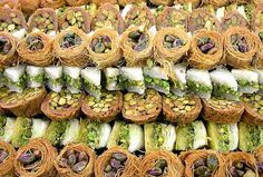 Jordanian Food, Arabic Sweets, Recipe Boards, Syria, Food Art, Pasta Salad, Sushi, Vegetables, Cooking