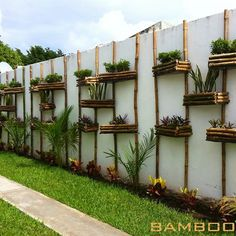 25 Ideas for exterior wall design ideas vertical gardens Jardim Vertical Diy, Vertical Garden Diy, Vertical Gardens, Vertical Planting, Vertical Farming, Vertical Bar, Bamboo Garden, Garden Art, Garden Design