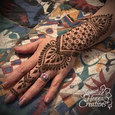 Grid and circle henna www.JamilahHennaCreations.com