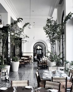 American Trade Hotel in Panama - as much a social gathering place as a boutique hotel - read the review on the blog. #americantradehotel #boutiquehotel #travelling #centralamerica #panama #interior #vintagedecor