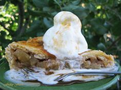 Caramel Apple Pie  3 Recipes With Mushrooms, Apples, and Butternut Squash | Friday Feasts  https://www.toovia.com/lists/3-recipes-with-mushrooms-apples-and-butternut-squash-friday-feasts