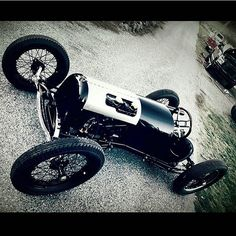 Good luck to my buddy @santiagormichael at #TROG this year.. Being a true historian he didn't just build an old hot rod.. He researched old racers and what was the most successful and feasible. In doing so he realized a copy of Legendary racer John Gerbers Speedster was the answer.. This car is so perfect in so many ways. Have fun bud! I wanna drive this thing on an oval some day! #Gerber #speedster #history @theraceofgentlemen