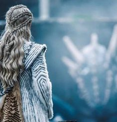 Here we will discuss about the full story of Game Of Thrones. Game of Thrones is an American TV Series drama television and created season, game, video Arte Game Of Thrones, Game Of Thrones Costumes, Game Of Thrones Cast, Cersei Lannister, Emilia Clarke, Game Of Thrones Instagram, Game Of Throne Daenerys, Winter Is Here, Mother Of Dragons