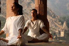 El yoga es una ciencia antigua que busca salud, desarrollo espiritual y paz interior a través de una serie de prácticas y de principios de vida.