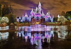 pretty houses in california decorated for christmas | Disneyland is ready for Christmas