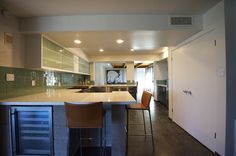 We still can't get over this Modern Mid-Century Luxury Desert Home Paradise Valley Arizona, Desert Homes, New Builds, Midcentury Modern, New Homes, Real Estate, Contemporary, Luxury, Baths
