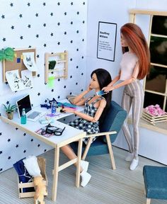 Barbie Sets, Barbie Dolls Diy, Barbie Fashionista Dolls, Diy Barbie Clothes, Barbie Doll House, Barbie Life, Barbie Stuff, Barbie Bedroom, Diy Barbie Furniture