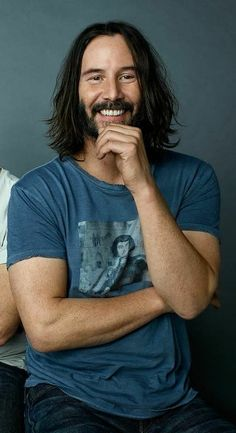 What a man.what a mighty fine man! Keanu Reeves John Wick, Keanu Charles Reeves, Gorgeous Men, Beautiful People, Keanu Reeves Quotes, Keanu Reaves, Face The Music, The Best Films, Good Looking Men
