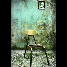 I would love a wall like this! Cool Chairs, Awesome Chairs, Peeling Paint, Street Art, Main Street, Art Festival, Color Inspiration, Restoration, Dining Chairs