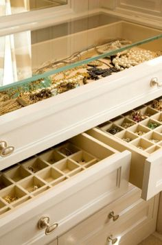 Jewelry trays that can either be displayed atop a dresser, or handily stowed away inside a drawer. I want!