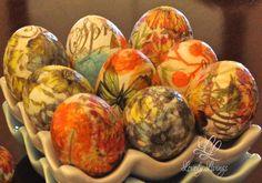 Easter2015 http://lovelylivings.com/2015/04/09/lovely-decoupage-eggs/