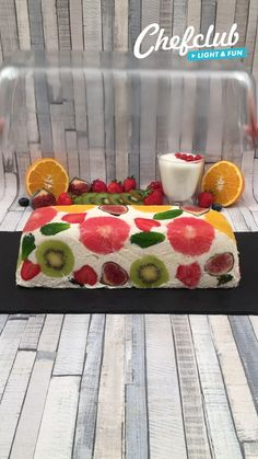 Food F, Diy Food, Fruit Platter Designs, Strawberry Dessert Recipes, Easy Chicken Dinner Recipes, Cake Decorating Videos, Edible Arrangements, Xmas Food, Disney Cakes